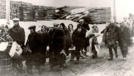 Photograph of the deportation of Jews from the Łódź ghetto to the Chelmno death camp in the spring of 1942.