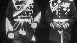 Photo of Kaiser Wilhelm II and Tsar Nicholas II posing in uniform.