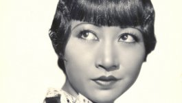 Photograph of actor Anna May Wong.