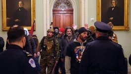 Protesters outside of the Senate chamber. Washington, Jan. 06, 2021.