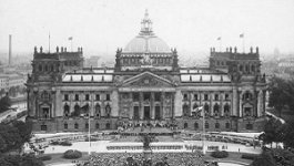 Photo of Reichstag, German parliament building.
