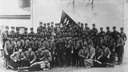 Group of Nazi soldiers pose for photo.