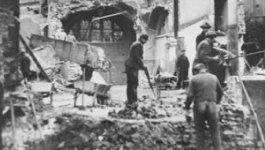 Opportunism during Kristallnacht | Facing History and Ourselves