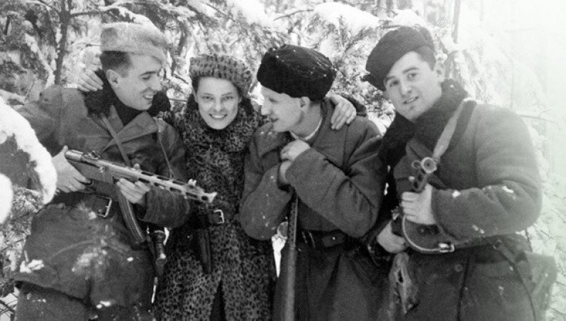 Fighting Back: Armed Jewish Resistance During the Holocaust ...